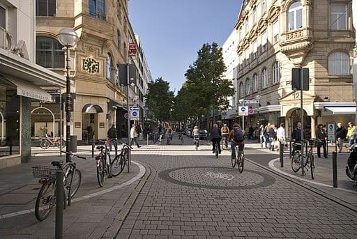 Shops Alle Frankfurt Und Goethestraße Stores HW2D9EI