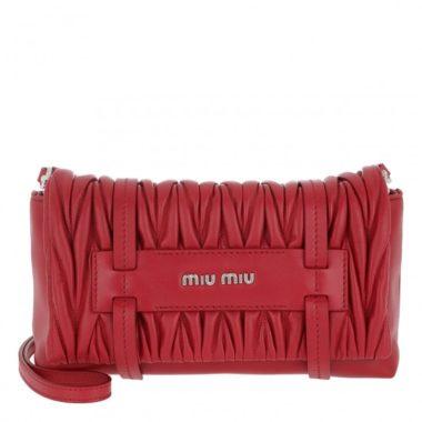 Miu Miu Taschen – Samt und Leder neu interpretiert –