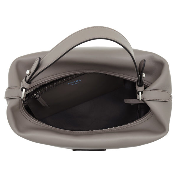 Prada-Hobo-Bag-Etiquette-Hobo-Bag-Leather-Argilla-in-grau-für-Damen-22594971993-1