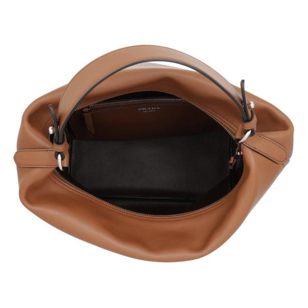 Prada-Hobo-Bag-Etiquette-Hobo-Bag-Leather-Cognac-in-cognac-für-Damen-22712721033-1