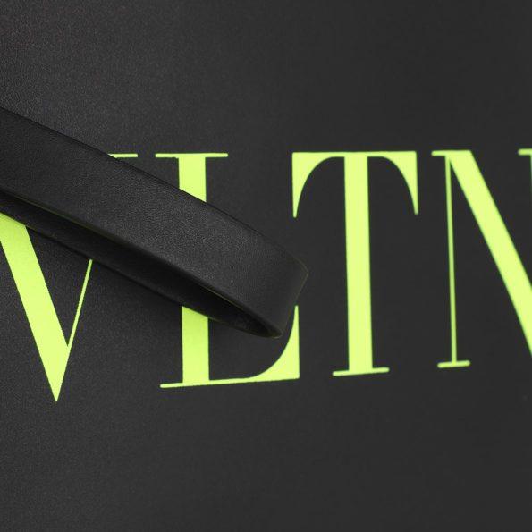 Valentino-Umhaengetasche-Men-VLTN-Messenger-Bag-NeroGiallo-Fluo-in-schwarz-fuer-Damen-27283402409-1
